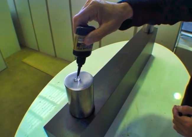 Gluing Glass to Metal